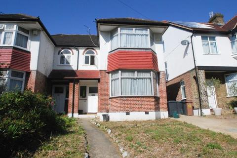 3 bedroom semi-detached house to rent - Woodfield Way, London