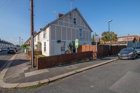 3 bedroom semi-detached house for sale - Town Cross Avenue, Bognor Regis