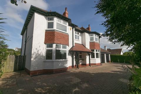 6 bedroom detached house for sale - Overlea Avenue, Conwy