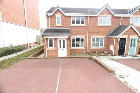 3 bedroom end of terrace house for sale - Ken Mews, Bootle