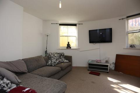 Studio to rent - Powis Square, Brighton