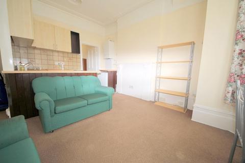 1 bedroom apartment - Meadowcroft Road, LONDON, N13