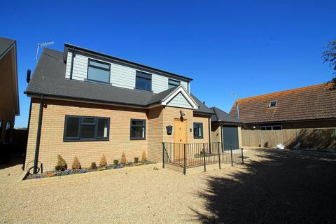 4 bedroom detached house for sale - Swallows Close, Lancing