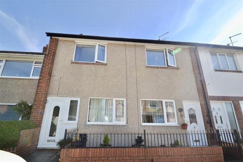 2 bedroom flat for sale - Gorsedene Avenue, Brierdene estate, Whitley Bay