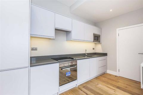 2 bedroom flat to rent - 215 Francis Road, Leyton
