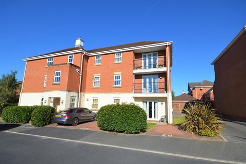 2 bedroom flat to rent - Reins Croft, Neston