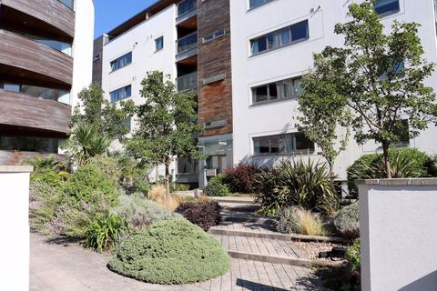 2 bedroom flat to rent - Montpellier GL50 2XR