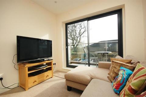 3 bedroom flat for sale - High Street, Hampton Hill