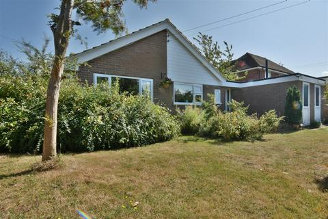3 bedroom detached bungalow for sale - Canterbury Road, St. Nicholas At Wade, Birchington