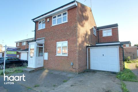 4 bedroom end of terrace house for sale - Ryton Close, Luton