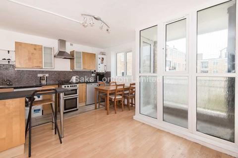 2 bedroom semi-detached house to rent - Marius Road, Tooting Bec, SW17