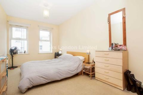 2 bedroom flat to rent - Marius Road, Tooting Bec, SW17