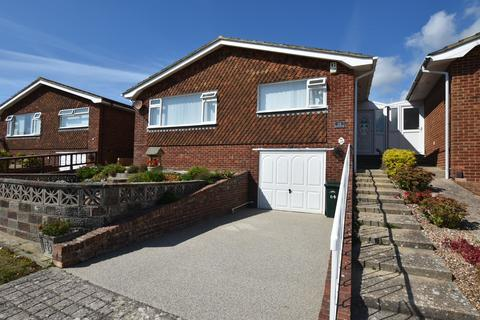 3 bedroom detached bungalow for sale - Chiltington Way, Saltdean, East Sussex