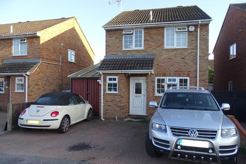 3 bedroom detached house for sale - West Close, Ashford, TW15