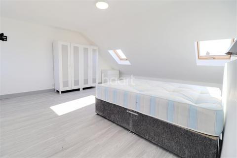 1 bedroom flat share to rent - Eastcote Lane, Harrow, HA2