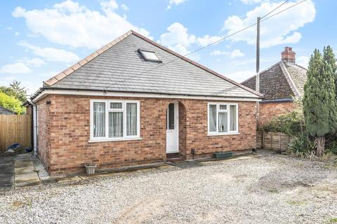 4 bedroom detached bungalow for sale - Elmhurst Road, Thatcham, RG18