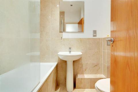 2 bedroom flat for sale - Crescent Wood Road, Sydenham, SE26