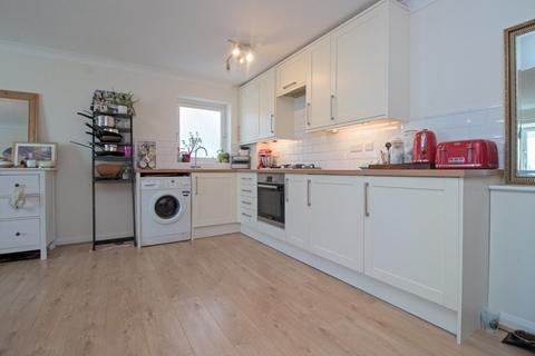 1 bedroom apartment for sale - South Coast Road, Peacehaven