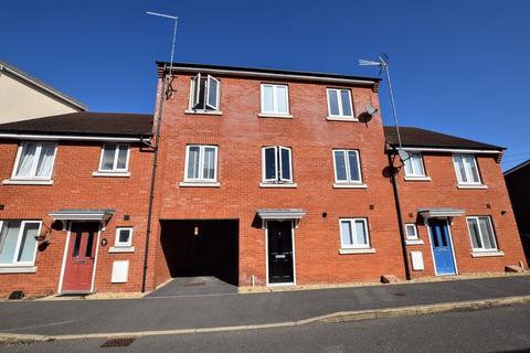 4 bedroom terraced house for sale - The Warren, Aylesbury