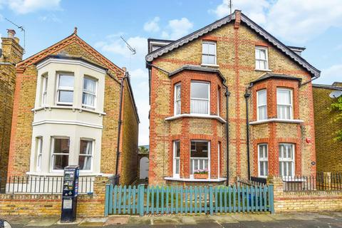 4 bedroom semi-detached house for sale - Heath Gardens, Twickenham