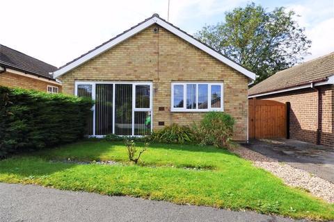 2 bedroom detached bungalow for sale - Crake Wells, Walkington