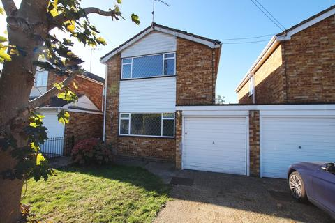 3 bedroom detached house to rent - Cheapside West, Rayleigh, SS6