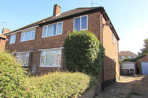 3 bedroom semi-detached house to rent - Pennine Avenue, Luton