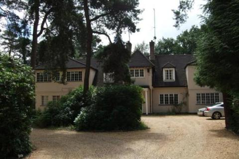 Studio to rent - Lakeside, Sandhurst Road, Finchampstead