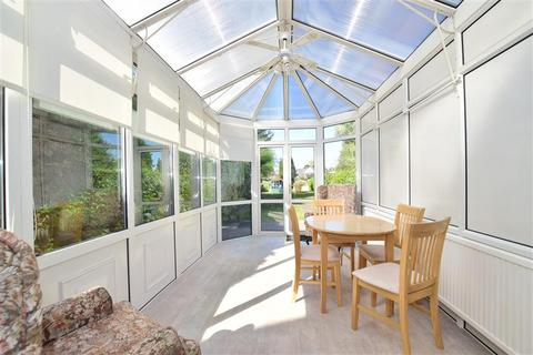 5 bedroom semi-detached house for sale - Westwood Lane, Welling, Kent