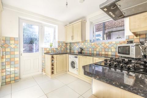 2 bedroom maisonette to rent - Balder Rise London SE12