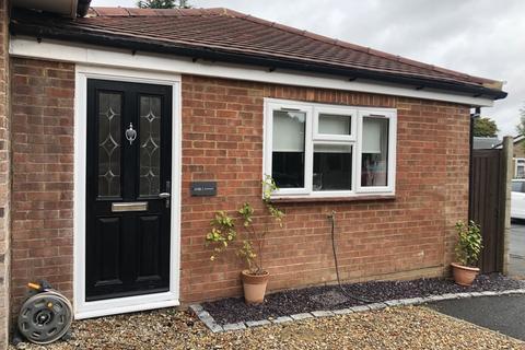 1 bedroom semi-detached bungalow to rent - Loose Road Maidstone ME15