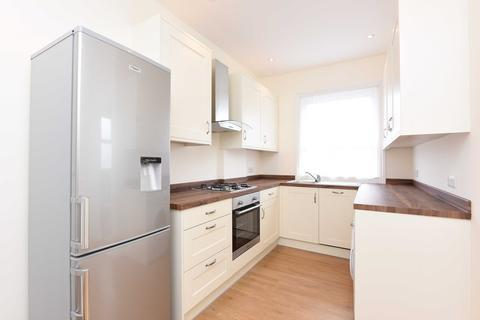 2 bedroom flat to rent - Angles Road, Streatham