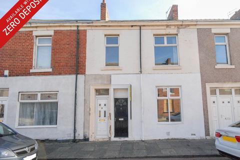 3 bedroom flat to rent - Frobisher Street, Hebburn