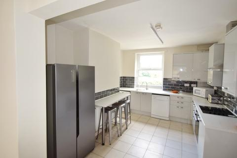 6 bedroom terraced house to rent - Harcourt Road, Sheffield S10