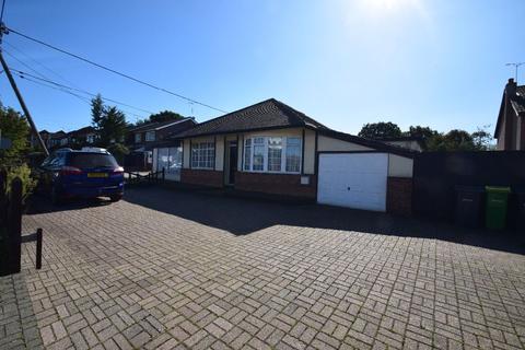 2 bedroom bungalow to rent - Lower Road, Hullbridge, Hockley