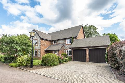 5 bedroom detached house to rent - Piermont Place Bromley BR1