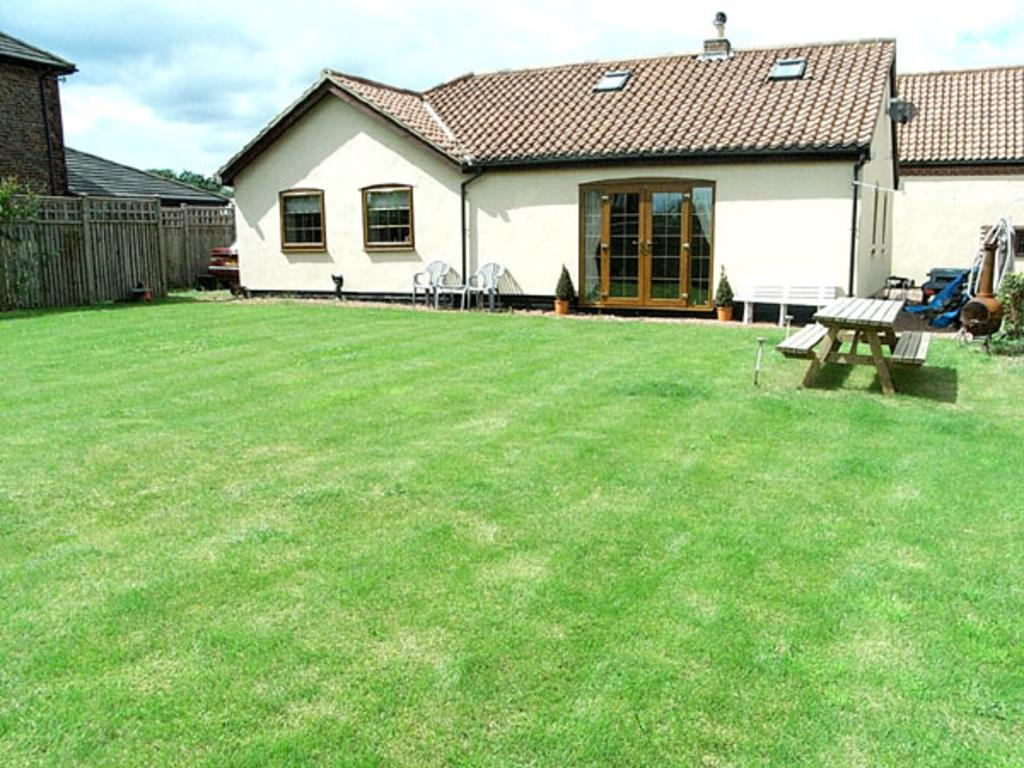 3 Bedrooms Detached Bungalow for sale in Northcote Hill Farm, Roseberry Road, Bishopsmill, Norton, Stockton On Tees TS20