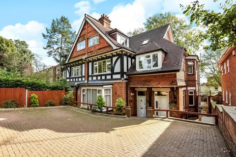 3 bedroom flat for sale - Northwood, Middlesex, HA6