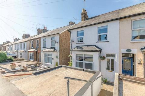 3 bedroom semi-detached house for sale - Lent Rise Road, Burnham, Buckinghamshire