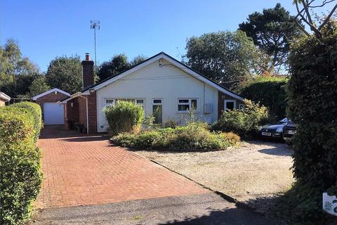 5 bedroom bungalow for sale - Bloswood Lane, WHITCHURCH
