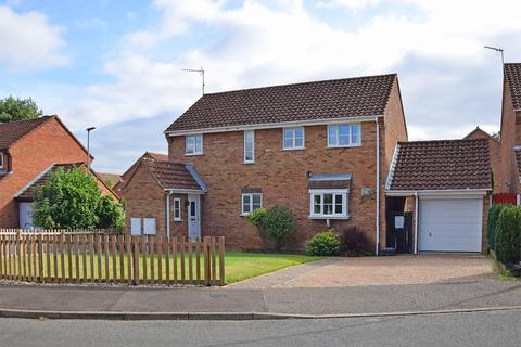 4 bedroom detached house for sale - Springwood