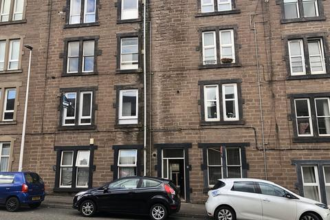 2 bedroom apartment to rent - Pitfour Street
