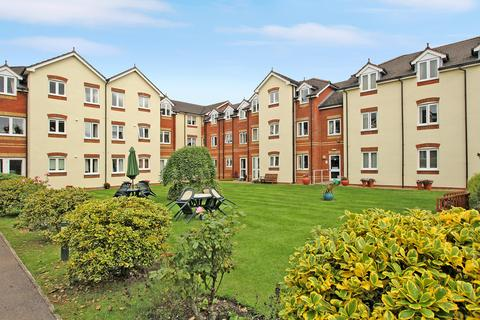 1 bedroom flat for sale - Willow Court, Ackender Road, ALTON, Hampshire