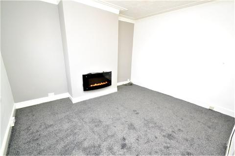 2 bedroom terraced house to rent - Paisley Road, Armley, Leeds