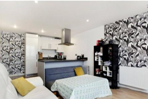 2 bedroom house to rent - Velocity Apartments, 1 Ward Road, London, E15