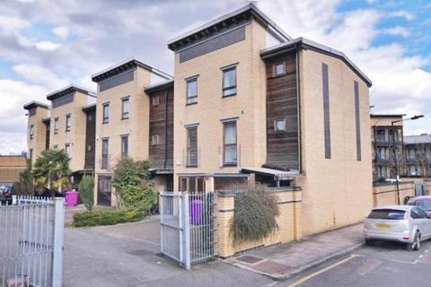 4 bedroom flat to rent - Indigo Mews, Ashton Street, Poplar, Canary Wharf, London, E14 9PN