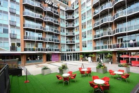 2 bedroom flat to rent - Gerry Raffles Square, Stratford, London, E15 1BQ