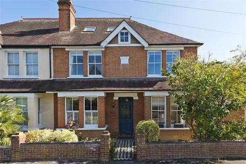 4 bedroom semi-detached house for sale - Hillbrow Road, Esher, Surrey, KT10