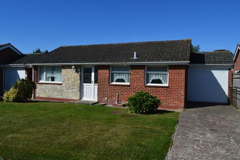 2 bedroom detached bungalow for sale - Fernhurst Close, Hayling Island