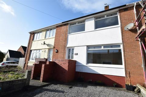 3 bedroom terraced house to rent - Holland Way, Barry